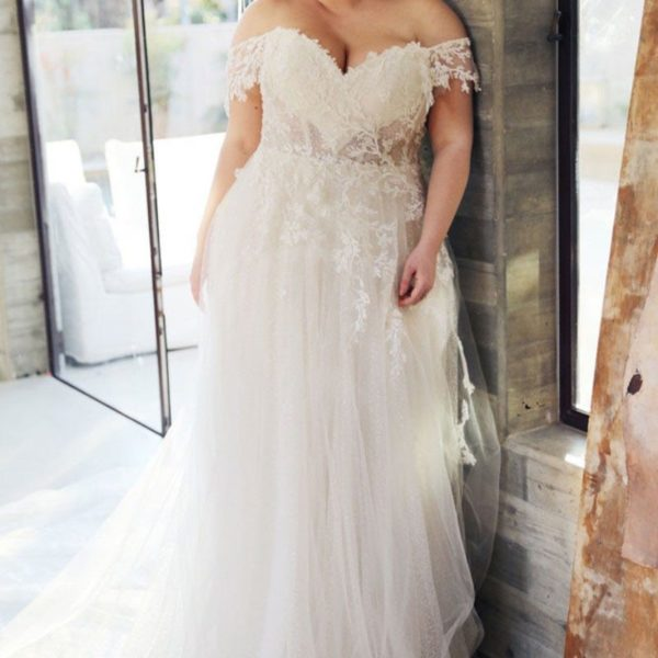 AnnMarie Wedding Dress - Lyndaz